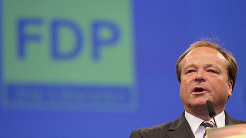Entwicklungshilfeministerium: Vergibt Entwicklungshilfeminister Dirk Niebel (FDP) Stellen in seinem Ministerium nach Parteizugehörigkeit? Die Opposition sieht dies als erwiesen an