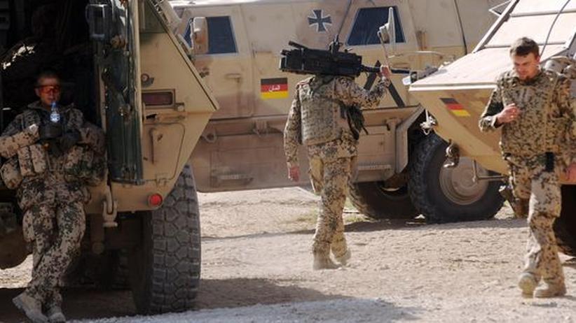 """Afghanistan: Sie kämpfen nun auch offiziell in einem """"bewaffneten Konflikt"""": deutsche Soldaten in Afghanistan"""