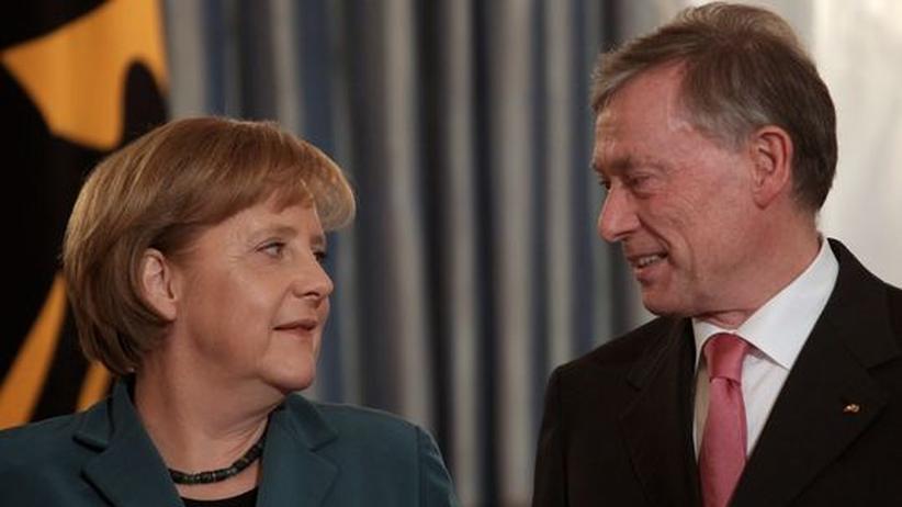 Nach dem Köhler-Rücktritt: Entfremdung: Ex-Bundespräsident Horst Köhler und Kanzlerin Merkel im März