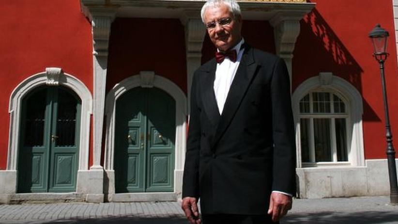 Rechtspopulismus: National gesinnt: Bürgermeister Hans-Christian Köllmer vor dem Arnstädter Rathaus