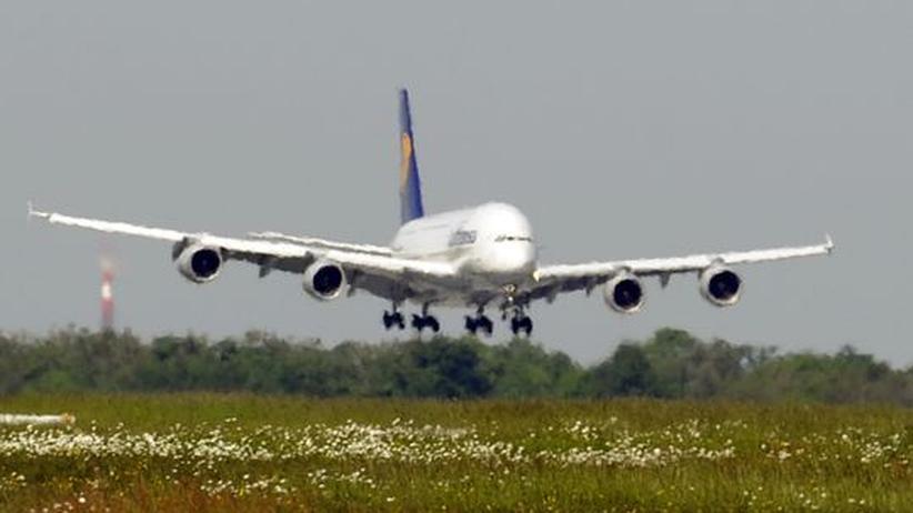 Flugverkehr: Bund will dreistufige Flugsteuer
