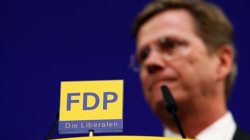 Sein Stuhl wackelt - Parteichef Guido Westerwelle