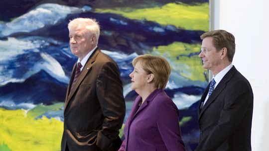Horst Seehofer (r.), Angela Merkel und Guido Westerwelle