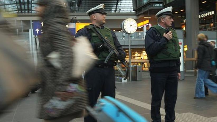 Terrorwarnung: Polizeistreife im Berliner Hauptbahnhof