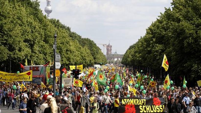 Energiewende: Ethikkommission empfiehlt Atomausstieg binnen zehn Jahren