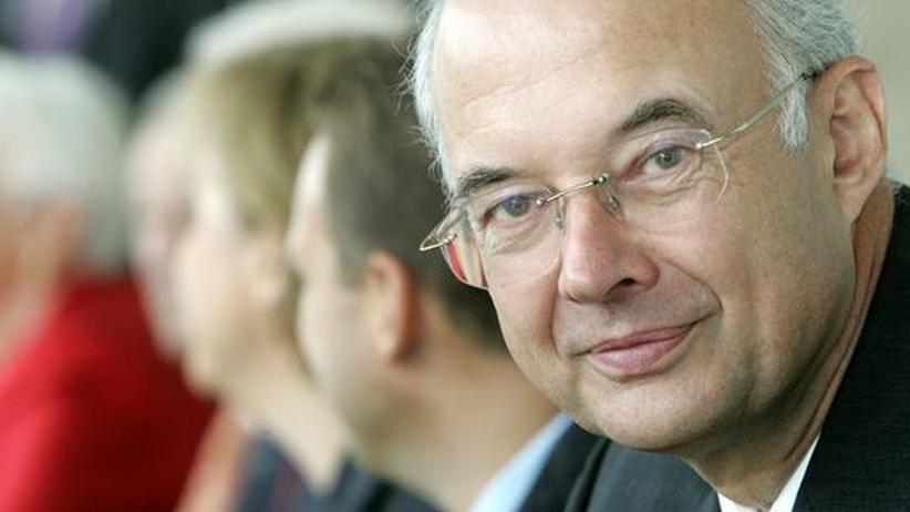 Steuermodell: Kirchhof meldet sich mit Steuervorschlägen zurück