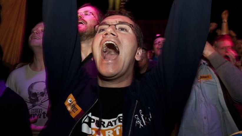 Reaktionen zur Berlin-Wahl: FDP ratlos, Piraten in Euphorie