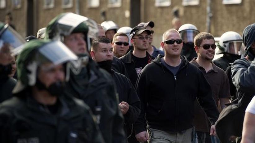 Rechtsextremismus: NPD-Anhänger bei einer Demonstration in Berlin (Archiv)
