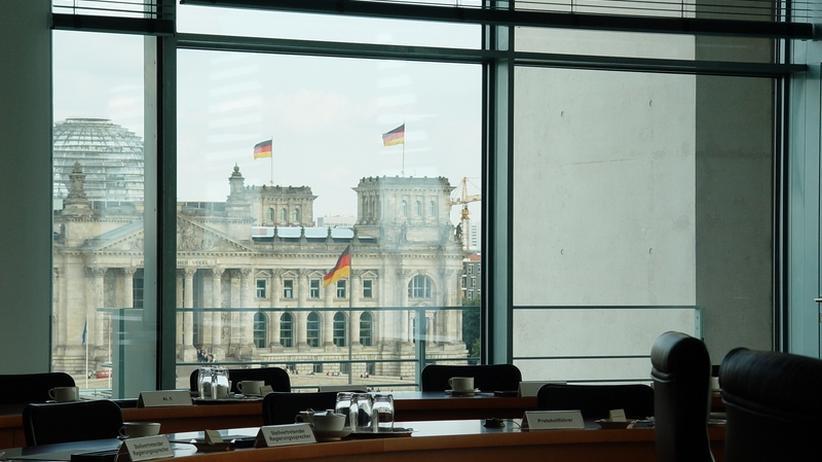 Rücktritte: Beurteilt Amtsführung, nicht Privatmarotten!
