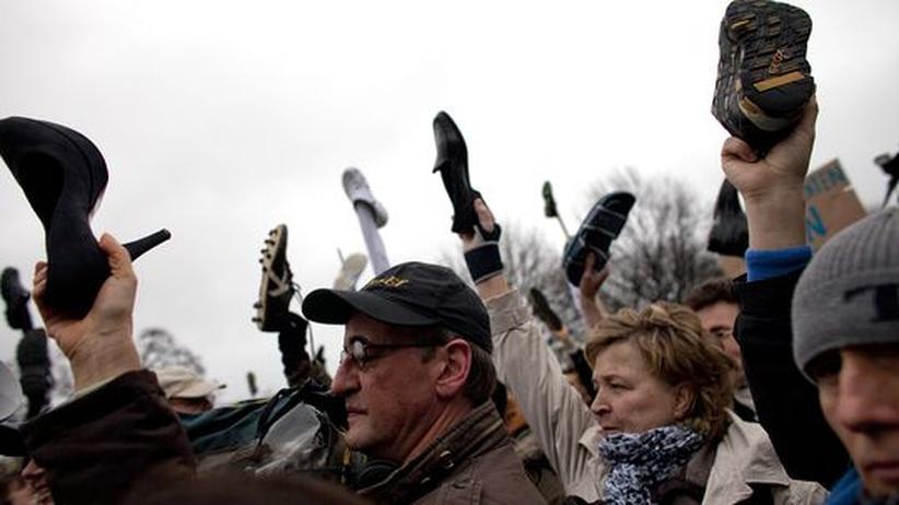 Umfrage: Mehrheit der Deutschen spricht sich für Wulffs Rücktritt aus