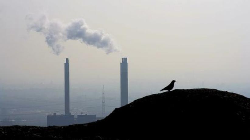 Aufbau Ost: Industrieanlagen im Ruhrgebiet