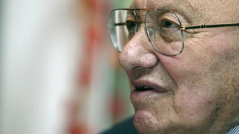 "Lyrik: Reich-Ranicki nennt Grass-Gedicht ""ekelhaft"""