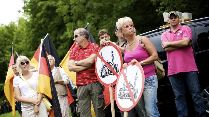 Rechtsextremismus: Gute Mitte, böse Nazis