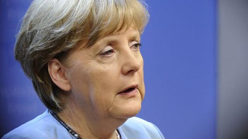 Euro-Rettungsschirm: Opposition kritisiert Merkels Krisenpolitik
