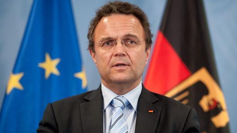 Verfassungsschutz: Friedrich ernennt Sonderbeauftragten für NSU-Akten-Affäre