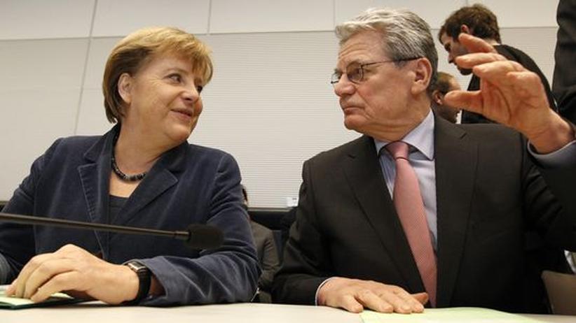 Krisenpolitik: Gauck fordert von Merkel mehr Deutlichkeit