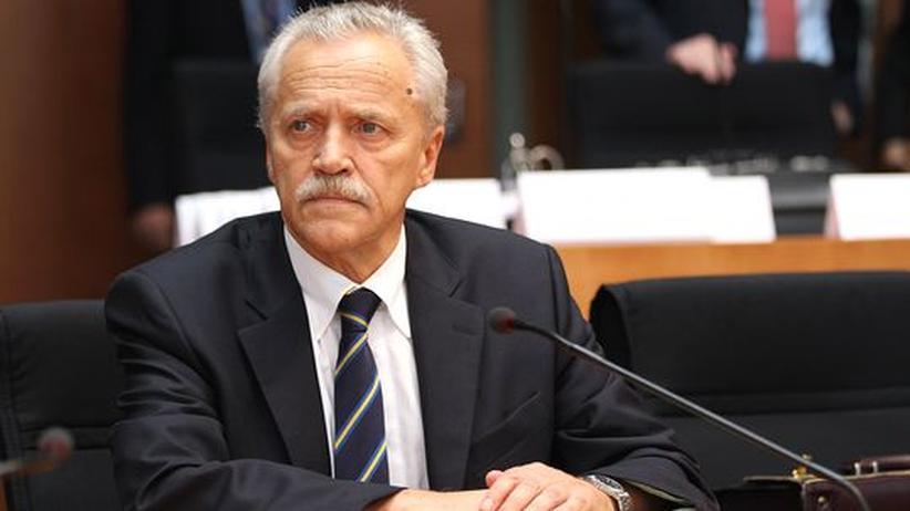Aktenvernichtung: Verfassungsschutzpräsident Heinz Fromm bei der Sitzung des NSU-Untersuchungsausschusses des Bundestages
