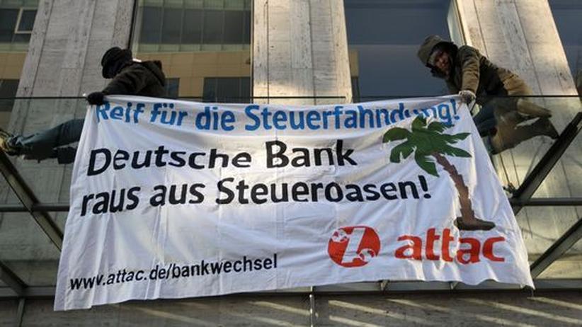 Gemeinnützigkeit: Koalitionspolitiker rebellieren gegen Schäubles Extremismus-Klausel