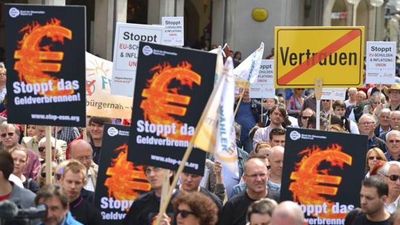 Euro-Krise: Zehntausende unterstützen Klagen gegen Euro-Rettungsschirm