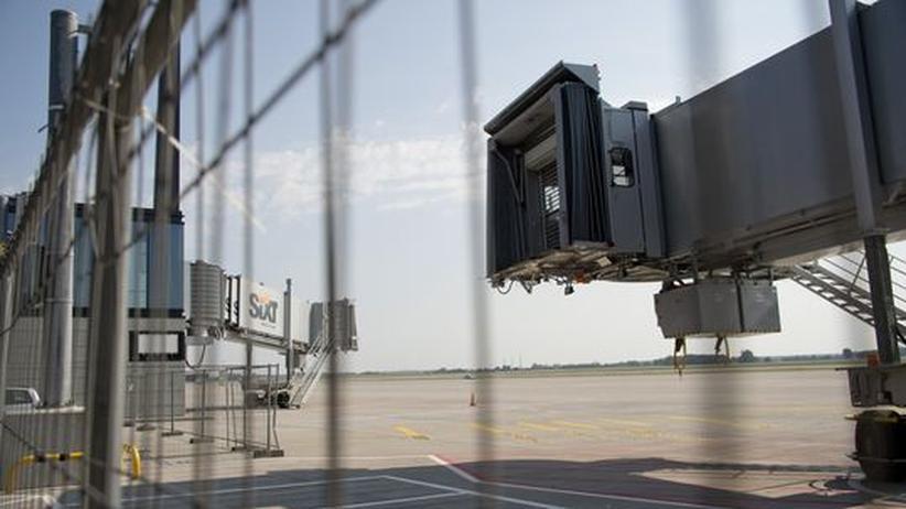 Flughafen: Die Fluggastbrücken auf dem neuen Berliner Flughafen