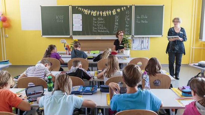 Zeiteinteilung: Schule ist für viele Kinder Vollzeitjob