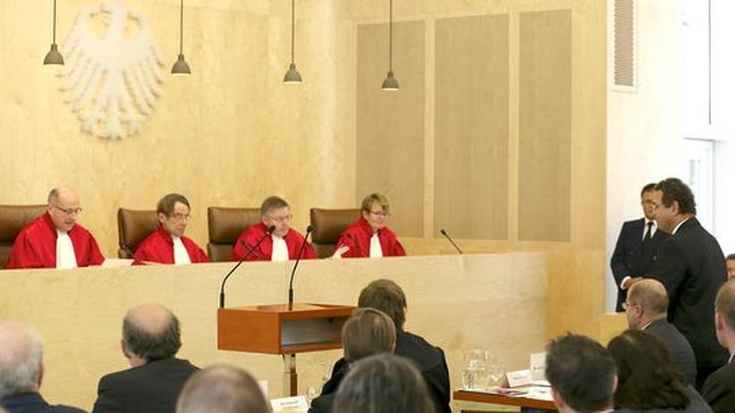 Verfassungsgericht: Friedrich hält Antiterrordatei für unverzichtbar