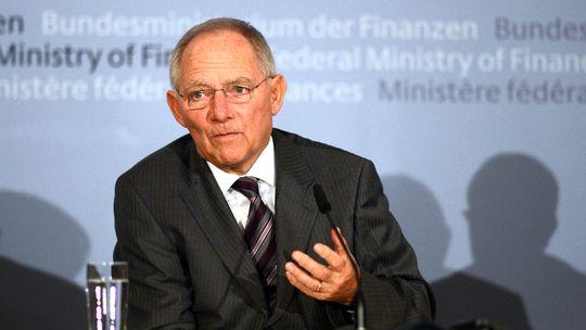 Wolfgang Schäuble erklärt in Berlin die Beschlüsse der Euro-Finanzminister zu Griechenland.