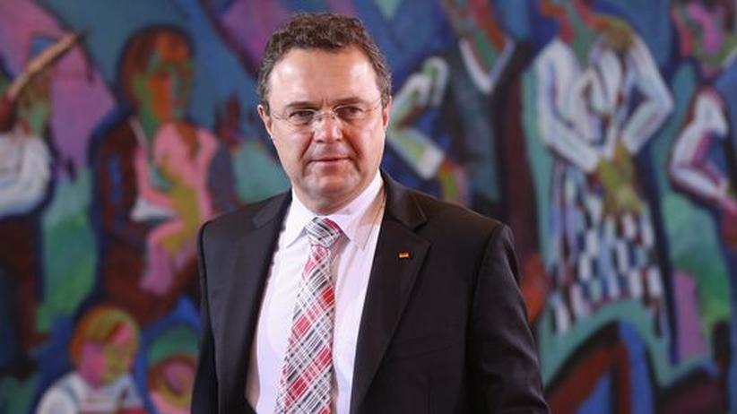 Kirche und Staat: Friedrich mahnt Kirchen zu Zurückhaltung in Politik-Fragen