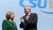 CSU-Chef Horst Seehofer mit Kanzlerin Angela Merkel