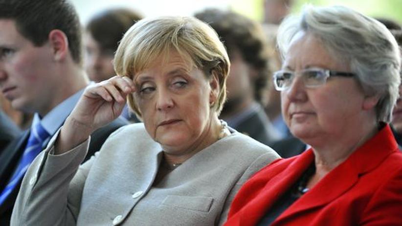 Plagiatsvorwurf: Merkel kann Schavan-Debatte nicht stoppen