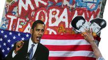 Collage von Berliner Aktivisten mit Bildern von US-Präsident Barack Obama und den Whistleblowern Eric Snowden und Bradley Manning