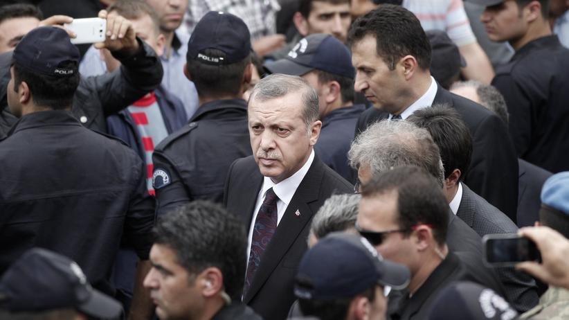 Türken in Deutschland: Der türkische Ministerpräsident Erdoğan am 14. Mai 2014 in Soma