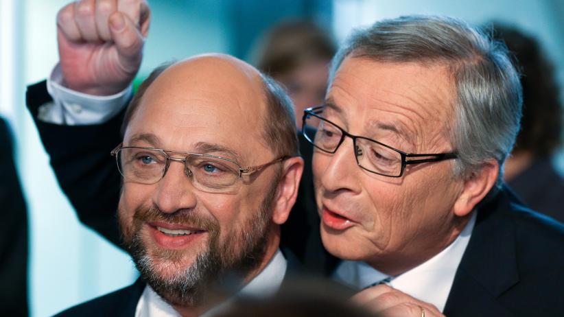 """ARD-""""Wahlarena"""": Martin Schulz und Jean-Claude Juncker, Spitzenkandidaten für das Amt des Kommissionspräsidenten der EU, vor der Ausstrahlung der Sendung """"Wahlarena"""" in Hamburg"""