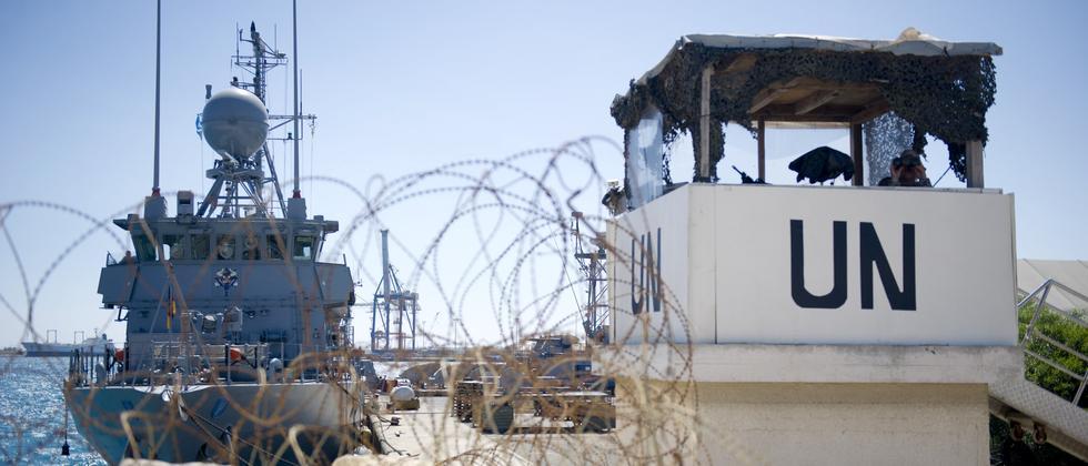 Deutsche Matrosen im UN-Einsatz im Hafen von Limassol (Zypern)