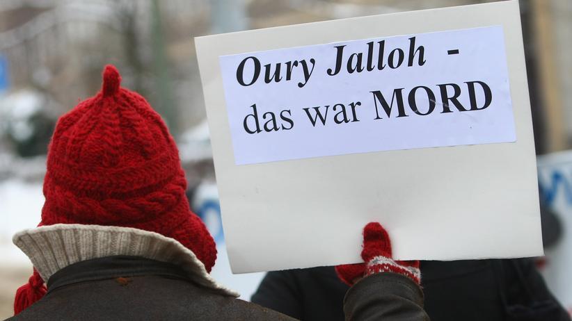 Rassismus: Protest gegen die Urteile im Prozess um den Feuertod von Oury Jalloh