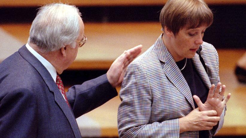 Merkel wird 60: April 1995: Angela Merkel, damals Umweltministerin, mit Bundeskanzler Helmut Kohl