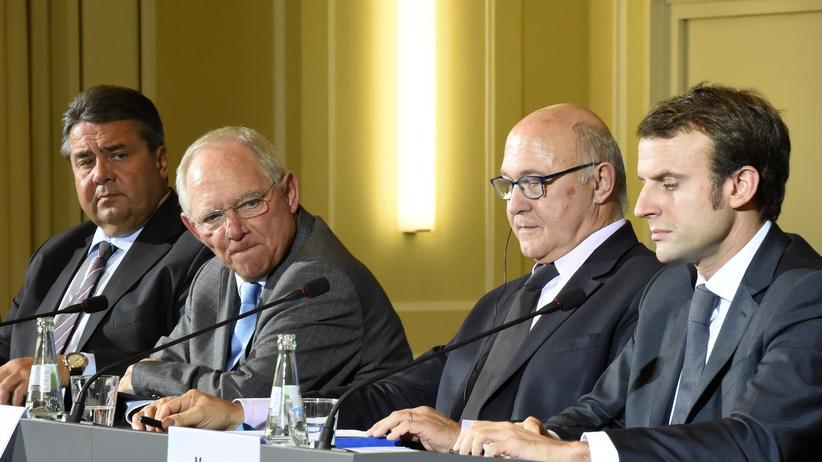 Konjunktur: Von links nach rechts: Die deutschen Minister Sigmar Gabriel (Wirtschaft) und Wolfgang Schäuble (Finanzen) sowie die französischen Minister Michel Sapin (Finanzen) und Emmanuel Macron (Wirtschaft)