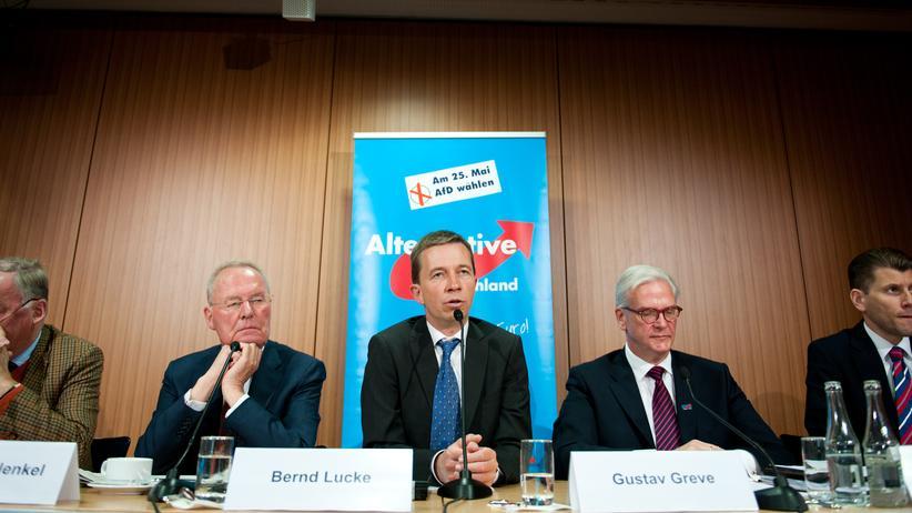 AfD: Die stellvertretenden Vorsitzenden der Partei Alternative für Deutschland (AfD, v.l.), Alexander Gauland und Hans-Olaf Henkel