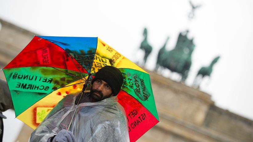 Bundestag: Der Bundestag hat die rechtliche Stellung von Asylbewerbern verbessert.