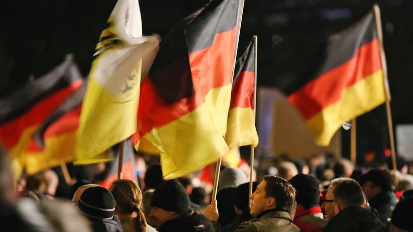 Gesellschaft, Pegida, Pegida, Protest, Dresden, Asyl, Ausländerfeindlichkeit