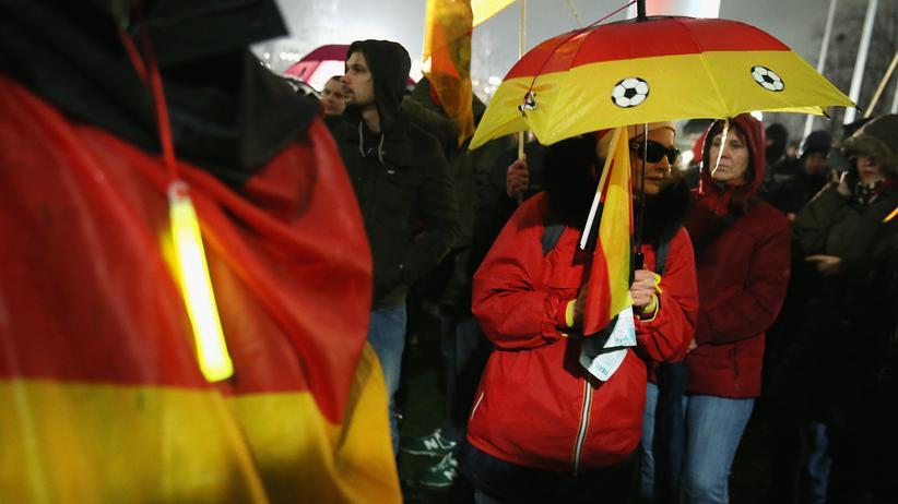 Anti-Islam-Proteste: Pegida-Anhänger in Düsseldorf