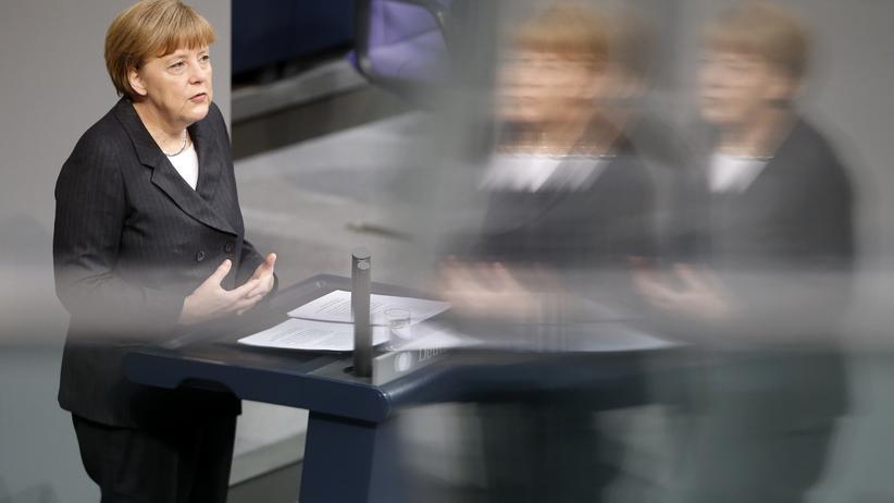 Deutscher Bundestag: Merkel will Gesellschaft wachrütteln für Demokratie