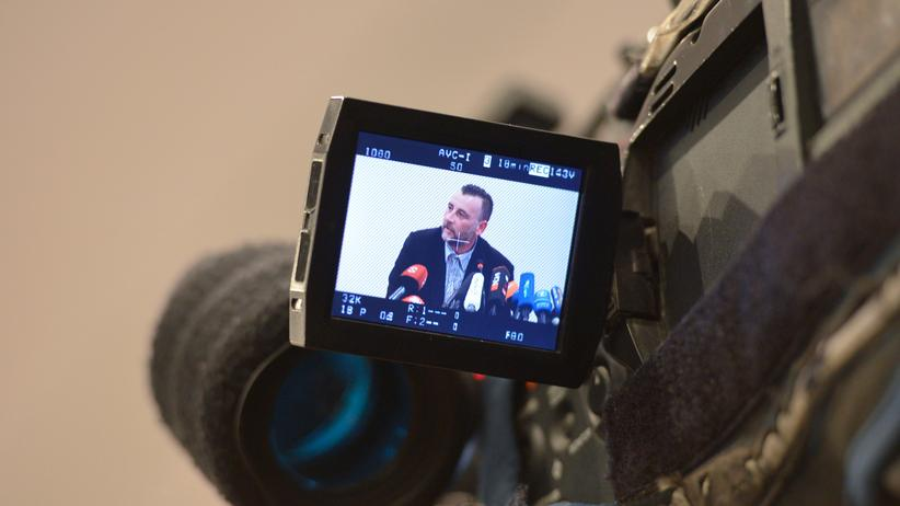 Pegida-Demonstration: Pegida-Organisator Lutz Bachmann während einer Pressekonferenz in Dresden