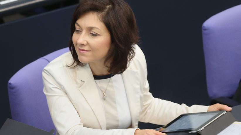 Katherina Reiche, Vizevorsitzende der CDU/CSU-Fraktion, während einer Bundestagssitzung am 4. Juni