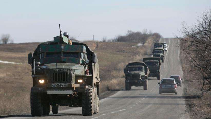 Ukraine-Krieg: Separatisten beginnen angeblich mit Abzug schwerer Waffen