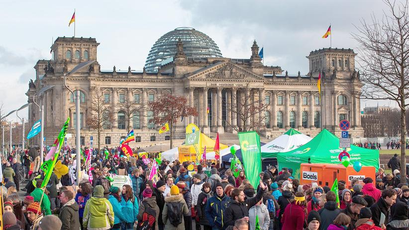 Freihandelsabkommen: Politik, Freihandelsabkommen, TTIP, Bundesverfassungsgericht, Freihandelsabkommen, Grundgesetz