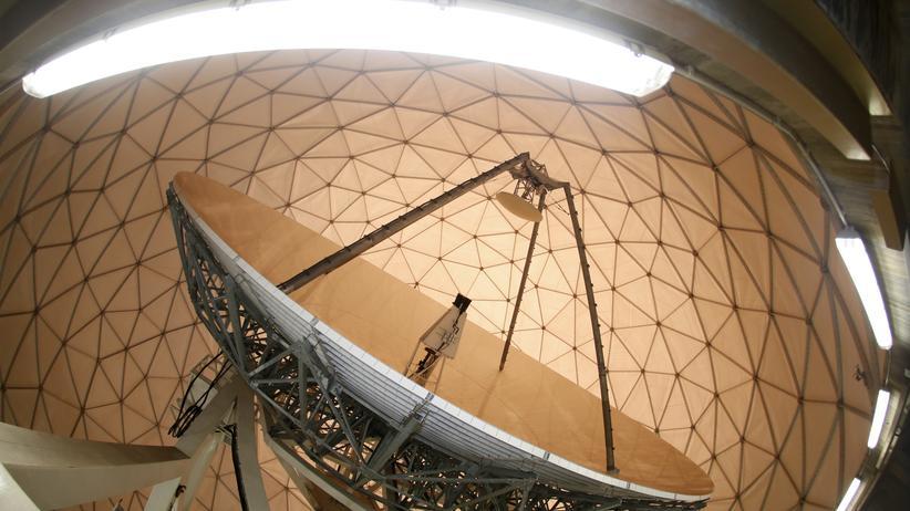 Satellitenantenne in der Abhörstation des Bundesnachrichtendienstes in Bad Aibling