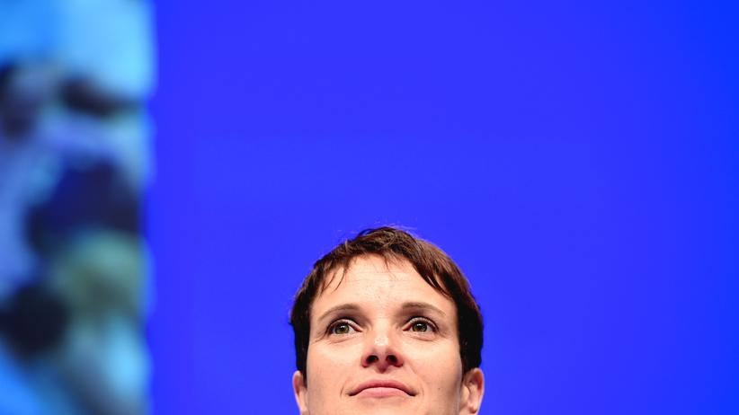 Die neu gewählte AfD-Vorsitzende Frauke Petry