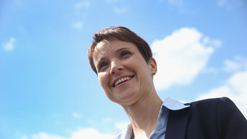 Alternative für Deutschland: Frauke Petry unter dem Himmel über Berlin