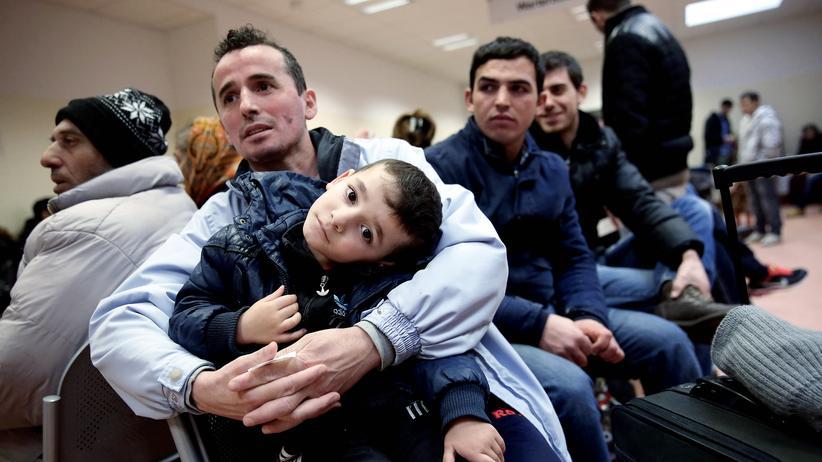 Gesellschaft, Flüchtlinge, Flüchtling, Bayern, CSU, Horst Seehofer, Asylrecht, Rechtsextremismus